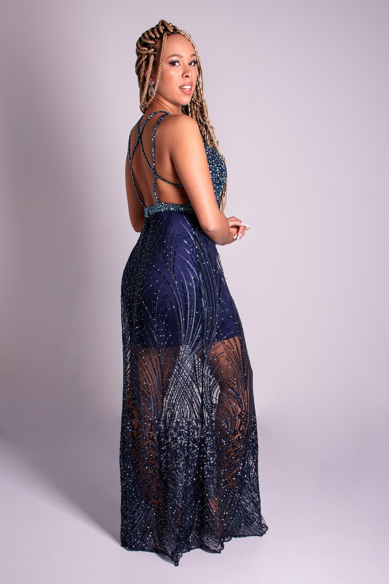 143 - Vestido azul marinho de renda com cristais e fitas nas costas