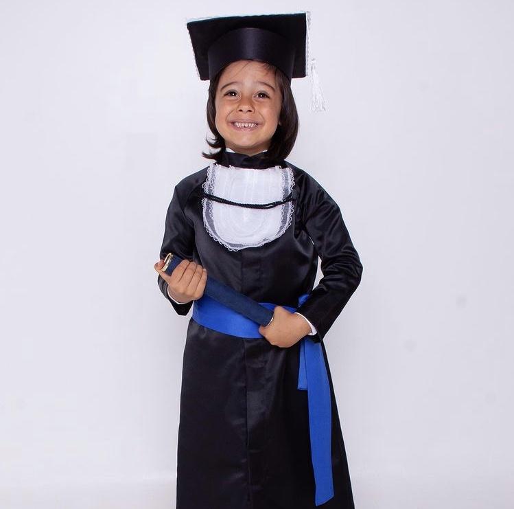 6 - beca de formatura infantil preta