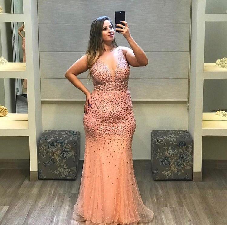14 - Vestido sereia de tule rosê bordado em pedraria