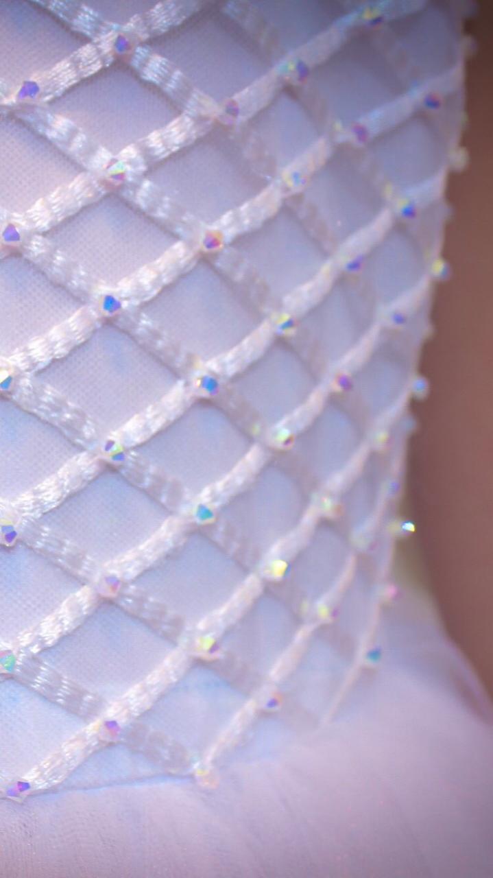 7 - Vestido de daminha bordado em cristais boreal