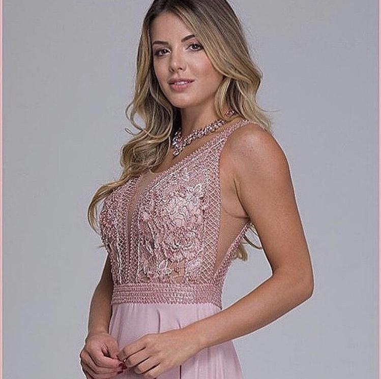 123 - Vestido rosê bordado em pérolas com decote V