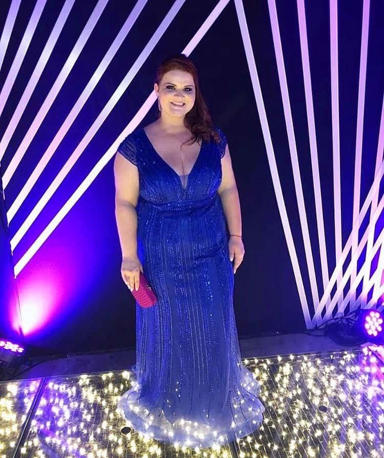 74 - Vestido de tule azul royal bordado ombro a ombro