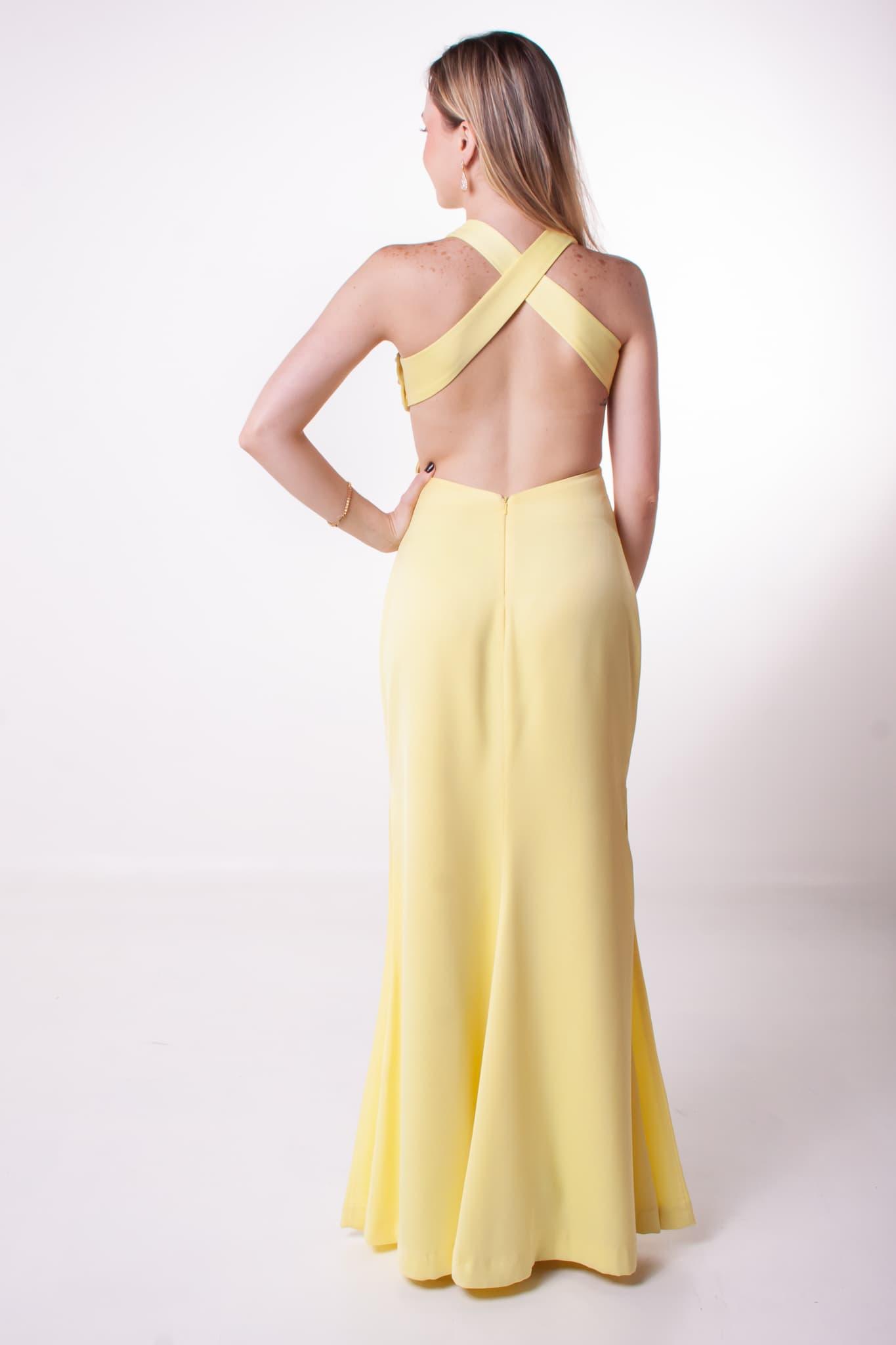 4 - Vestido amarelo cruzado nas costas