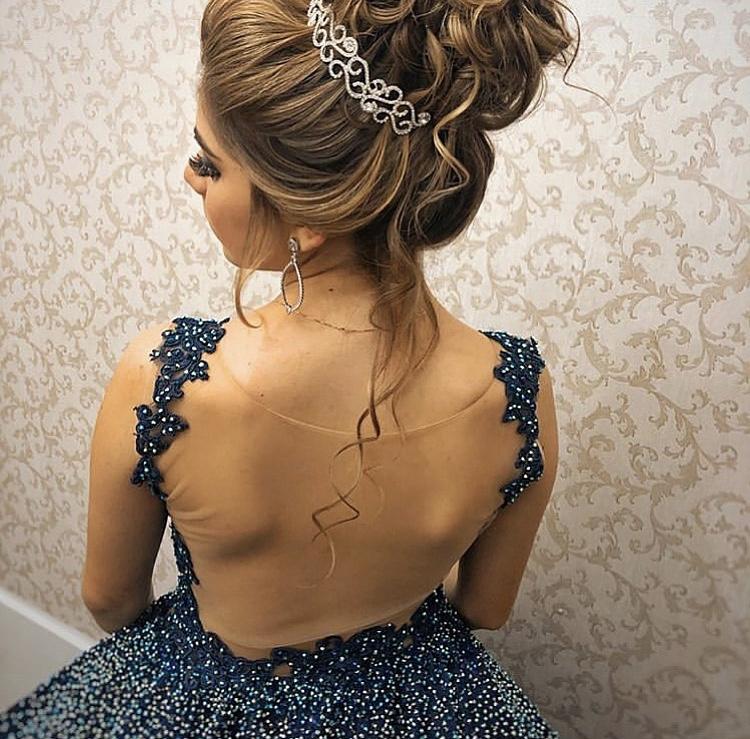91 - Vestido de valsa azul marinho de renda com cristais Swarovski