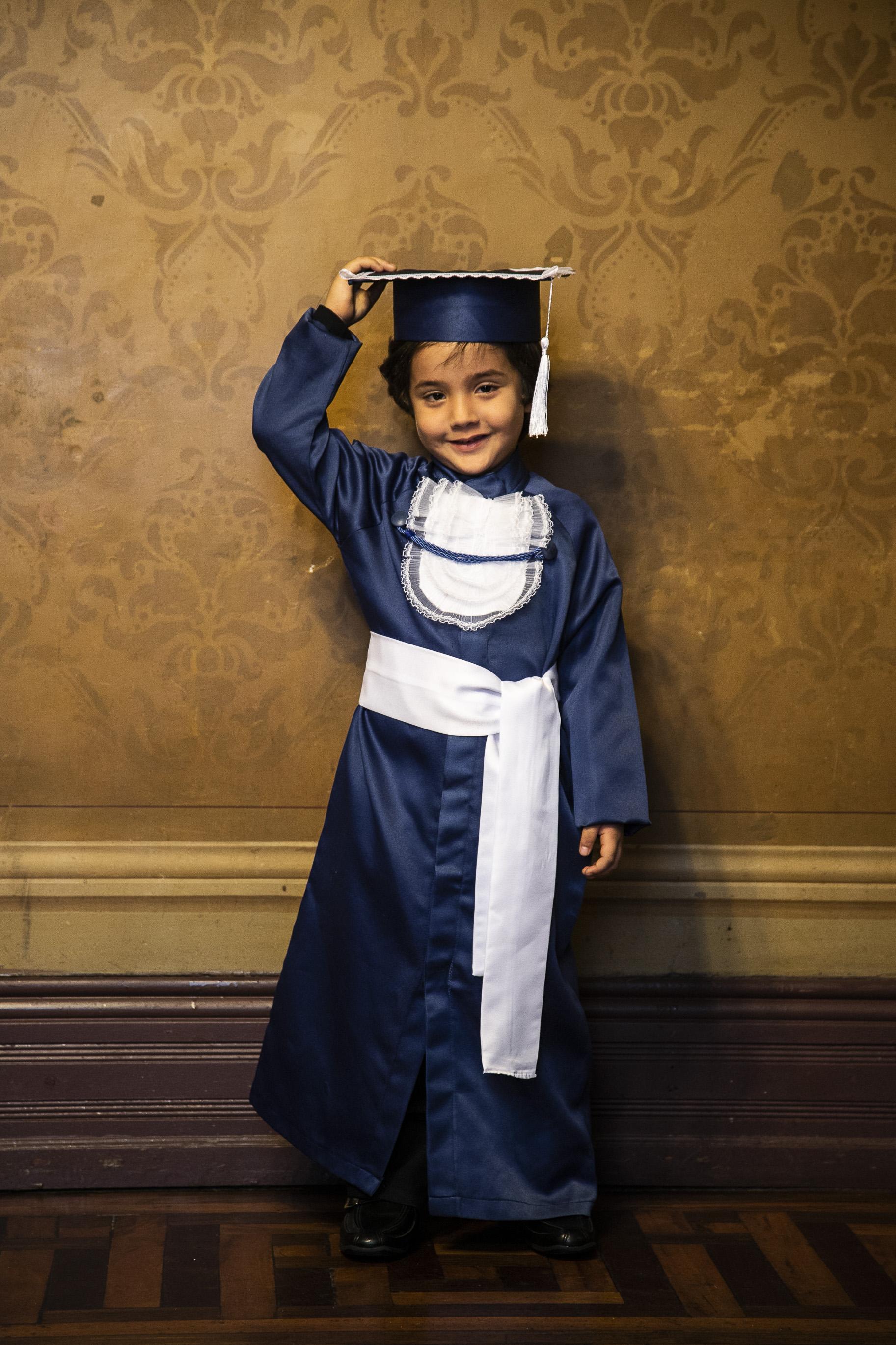 5 - beca infantil azul marinho com capelo