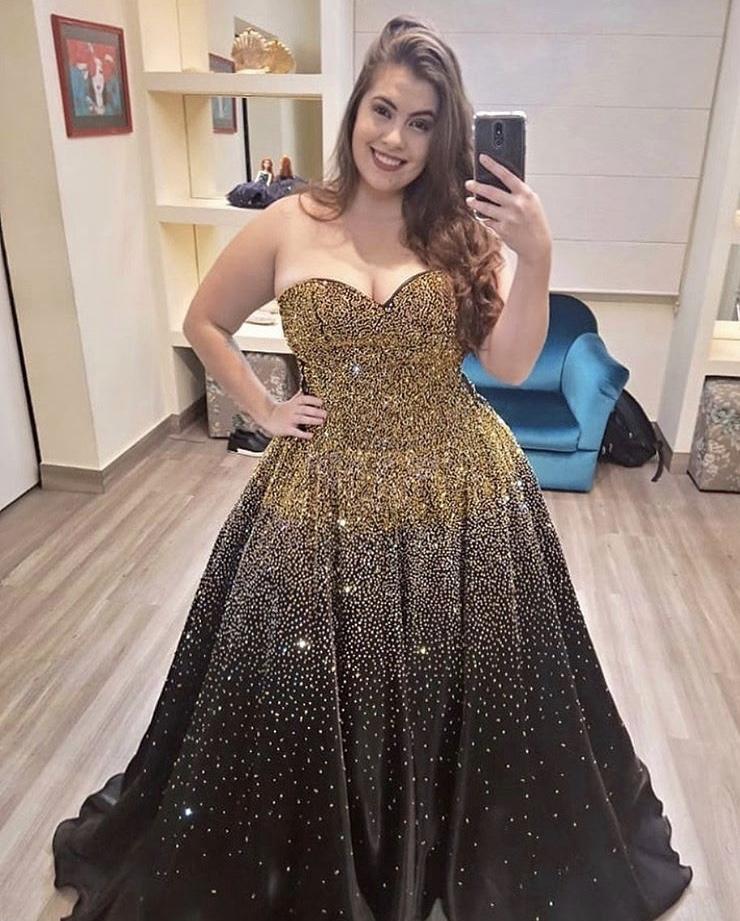 104 - Vestido de valsa preto com cristais Swarovski