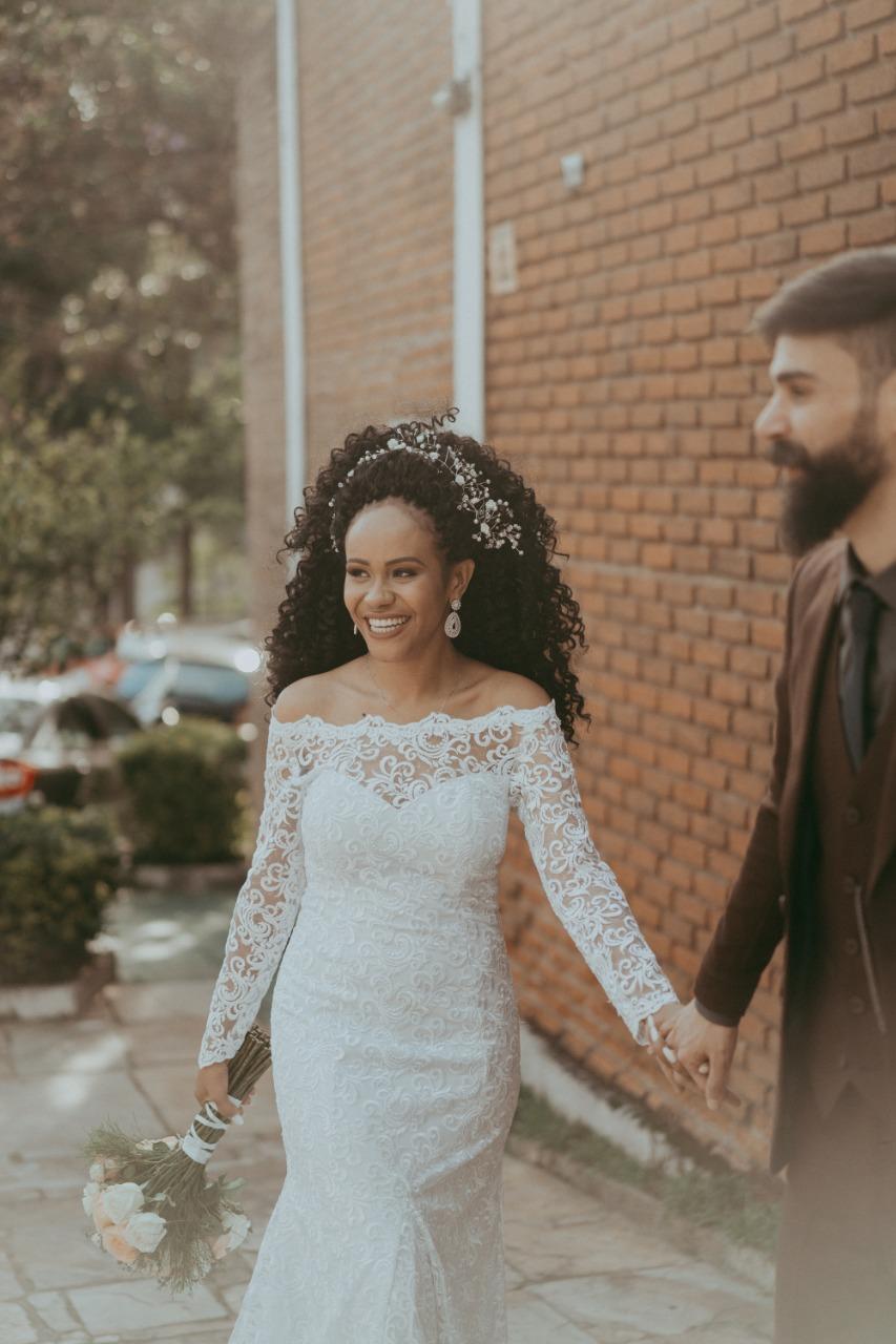 11 - Vestido de noiva ombro a ombro de renda estilo boho
