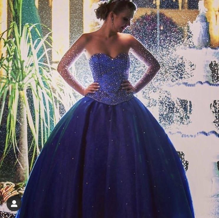 83 - Vestido de valsa azul royal com cristais Swarovski