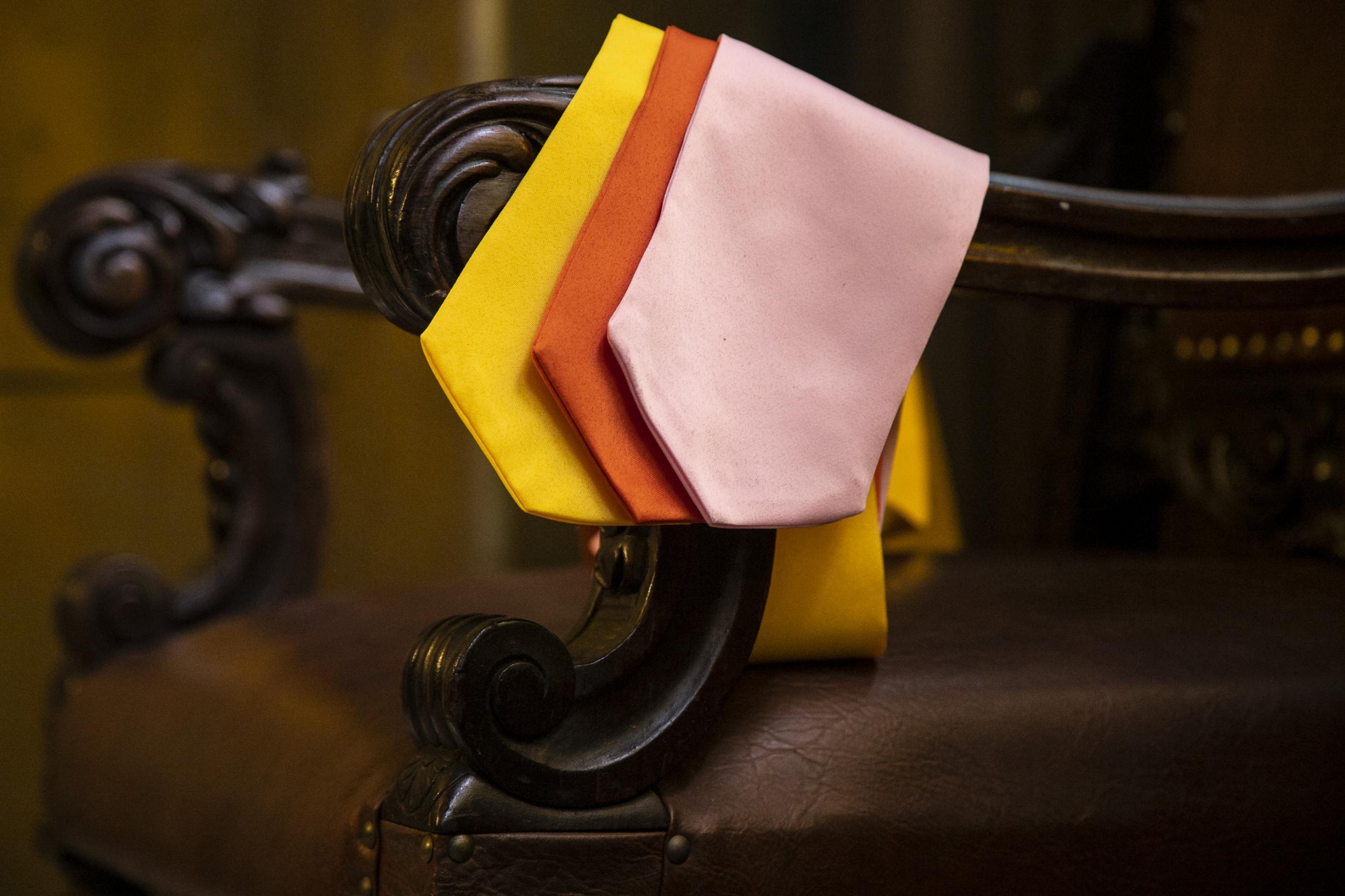 8 - gravatas coloridas para beca americana
