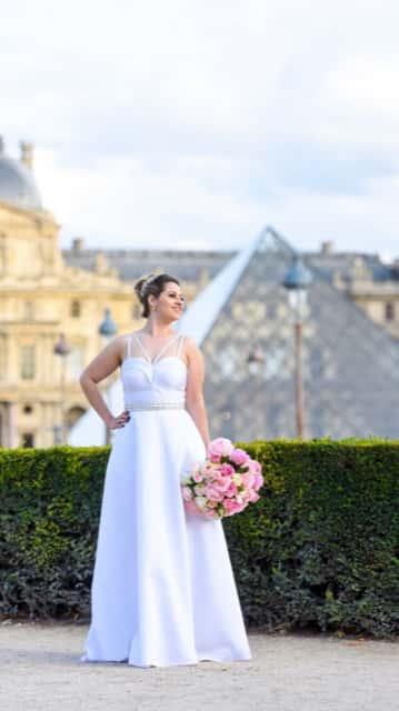 8 - Vestido de noiva com cintinho bordado