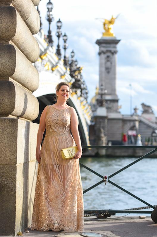 27 - Vestido de renda com cristais Swarovski