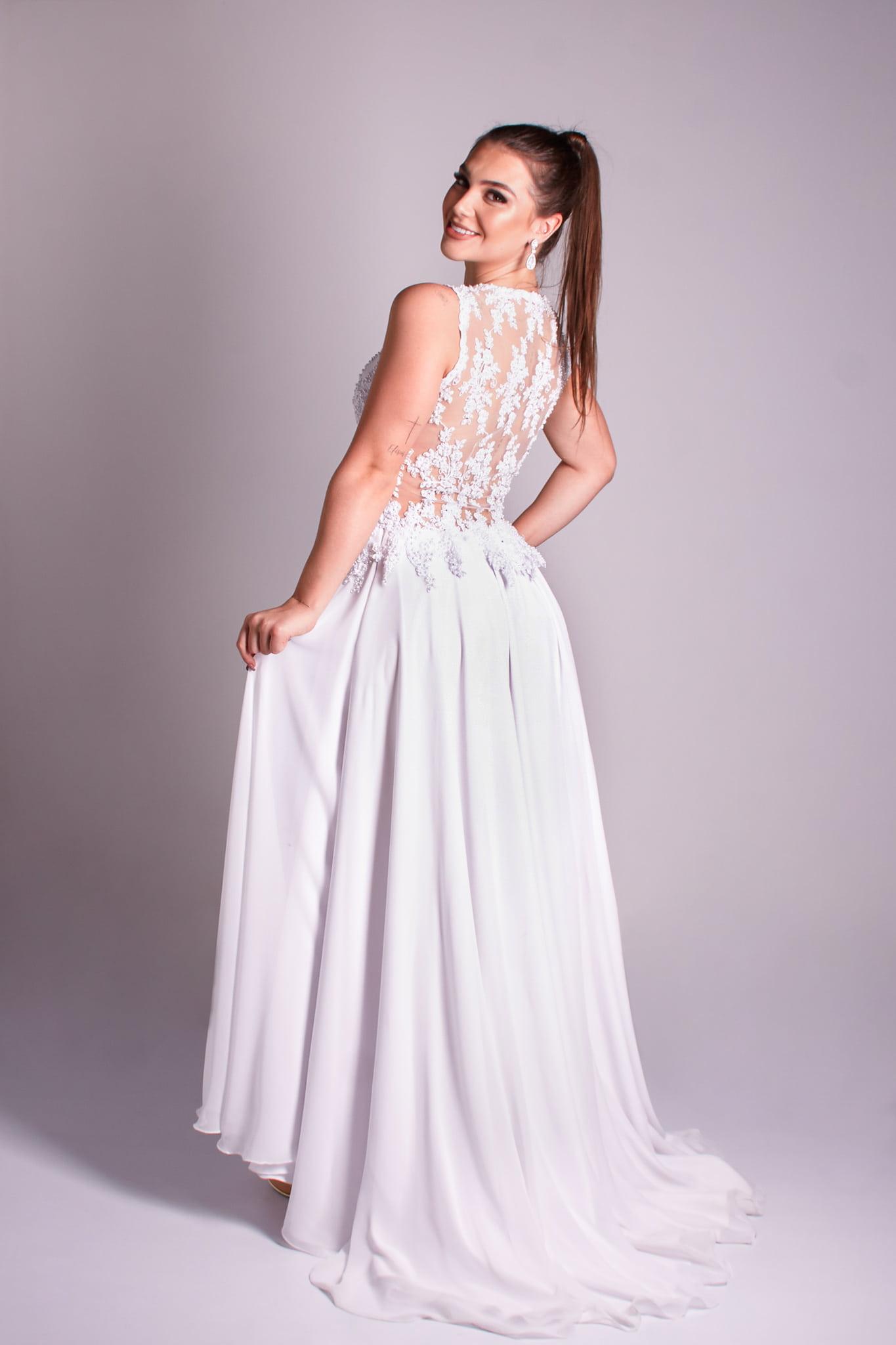 6 - vestido de renda com transparência nas costas