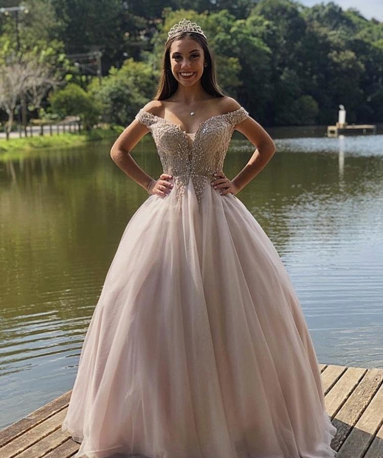 47 - Vestido de valsa rosê em pedraria com saia de tule