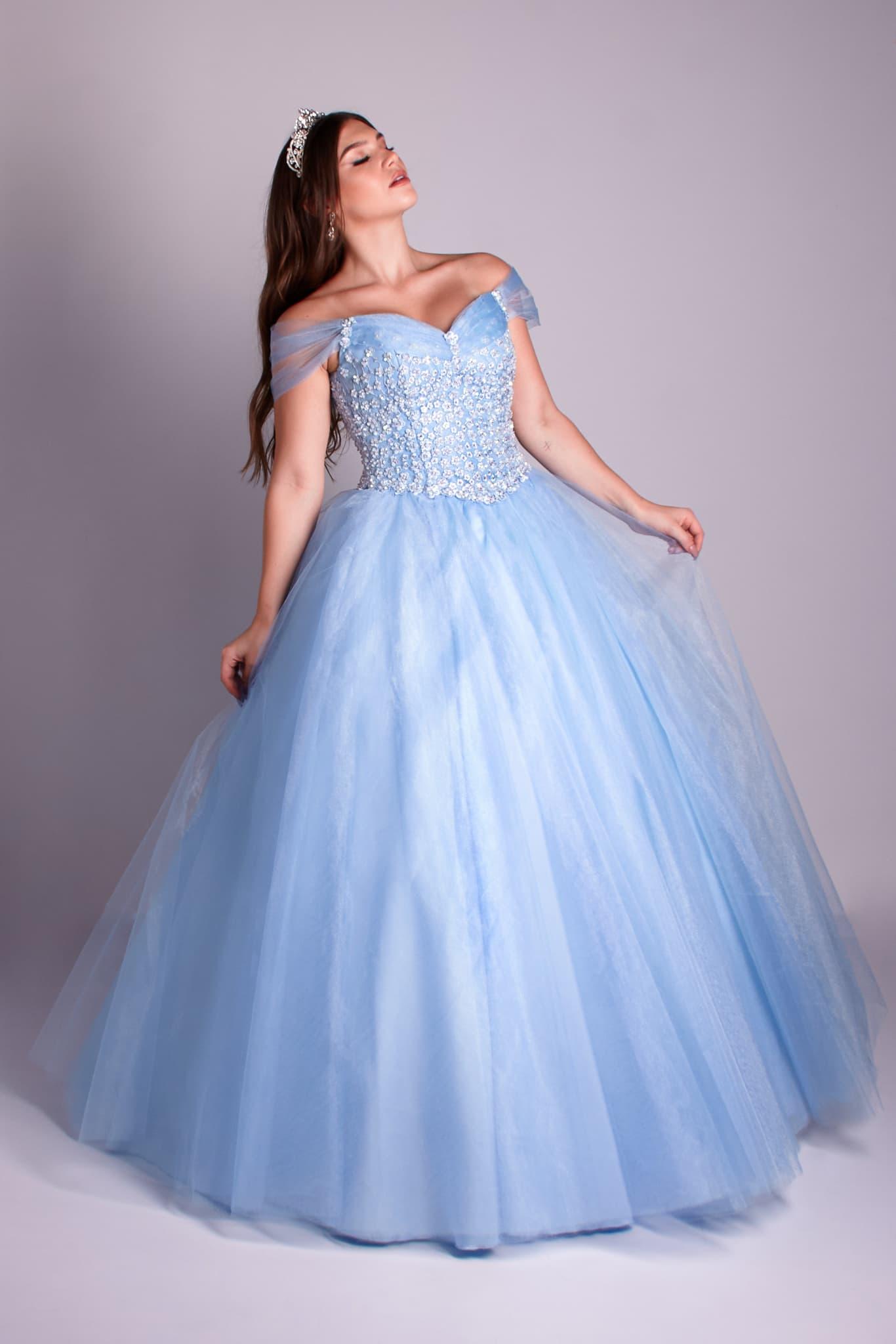 111 -  Vestido azul serenity de renda floral com saia de tule