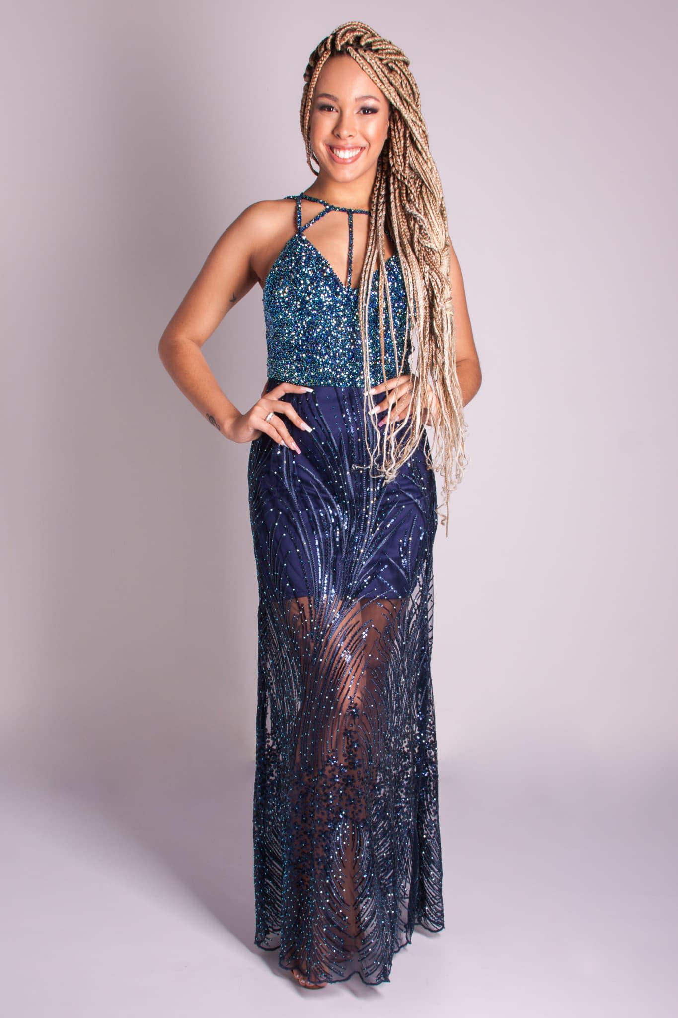 144 - Vestido azul marinho de renda com cristais, recortes e fitas