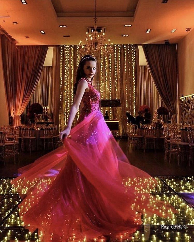 55 - vestido pink com sobressaia