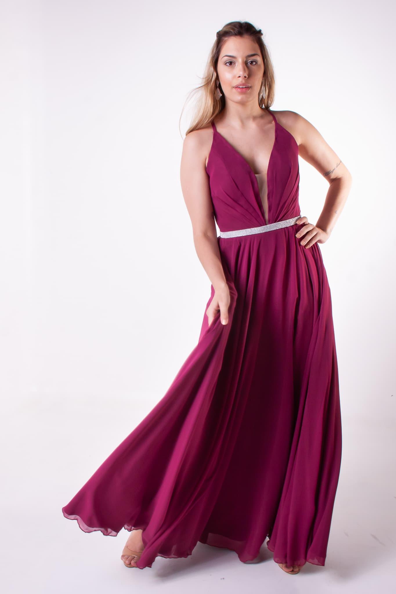 35 - Vestido fúcsia com cintinho - disponível em mais de 8 cores.