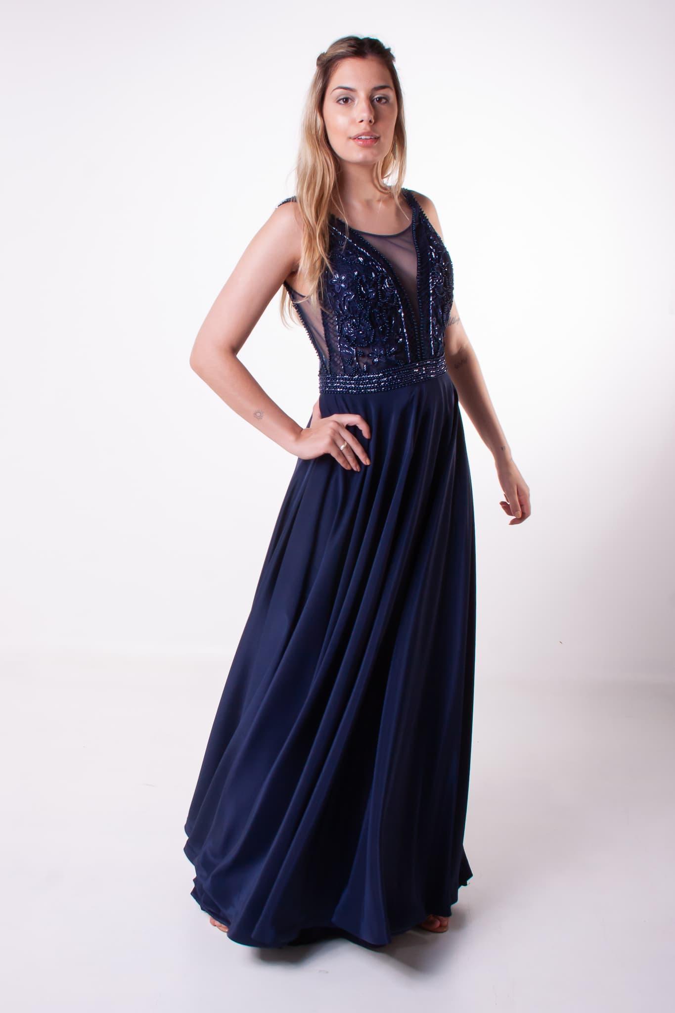 77 - Vestido azul marinho com corpo bordado