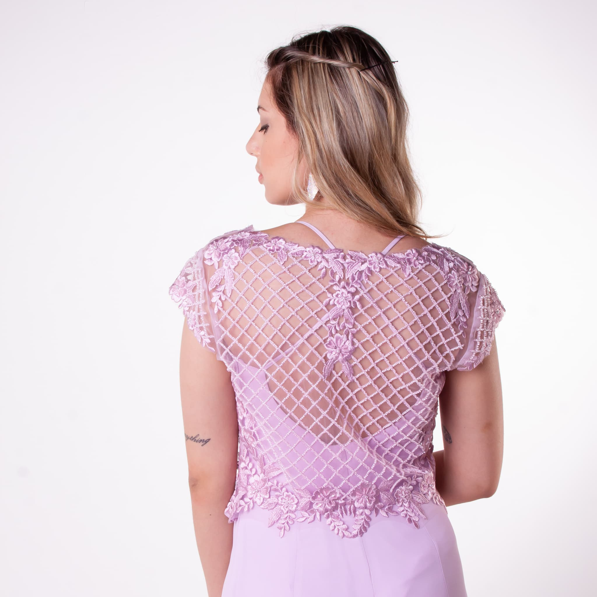 21 - vestido lilás com sobreposição de renda