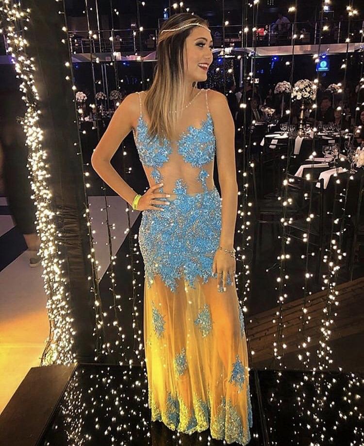 105 - Vestido tiffany de renda com cristais feito sob medida no nosso Ateliê