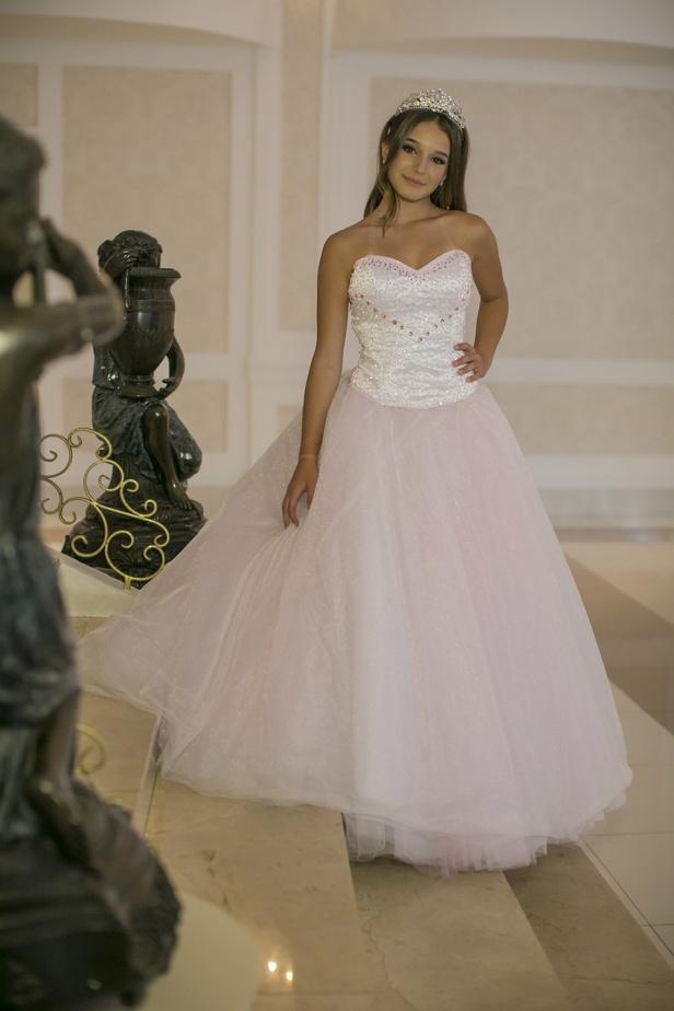 46 - Vestido de valsa rosa com saia de tule