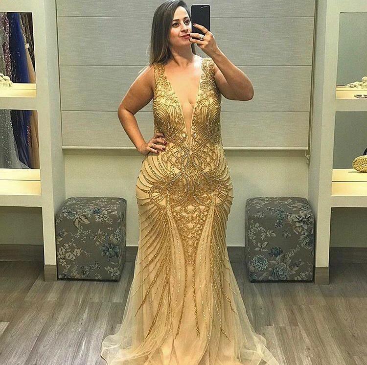 42 - Vestido sereia de tule nude bordado em dourado