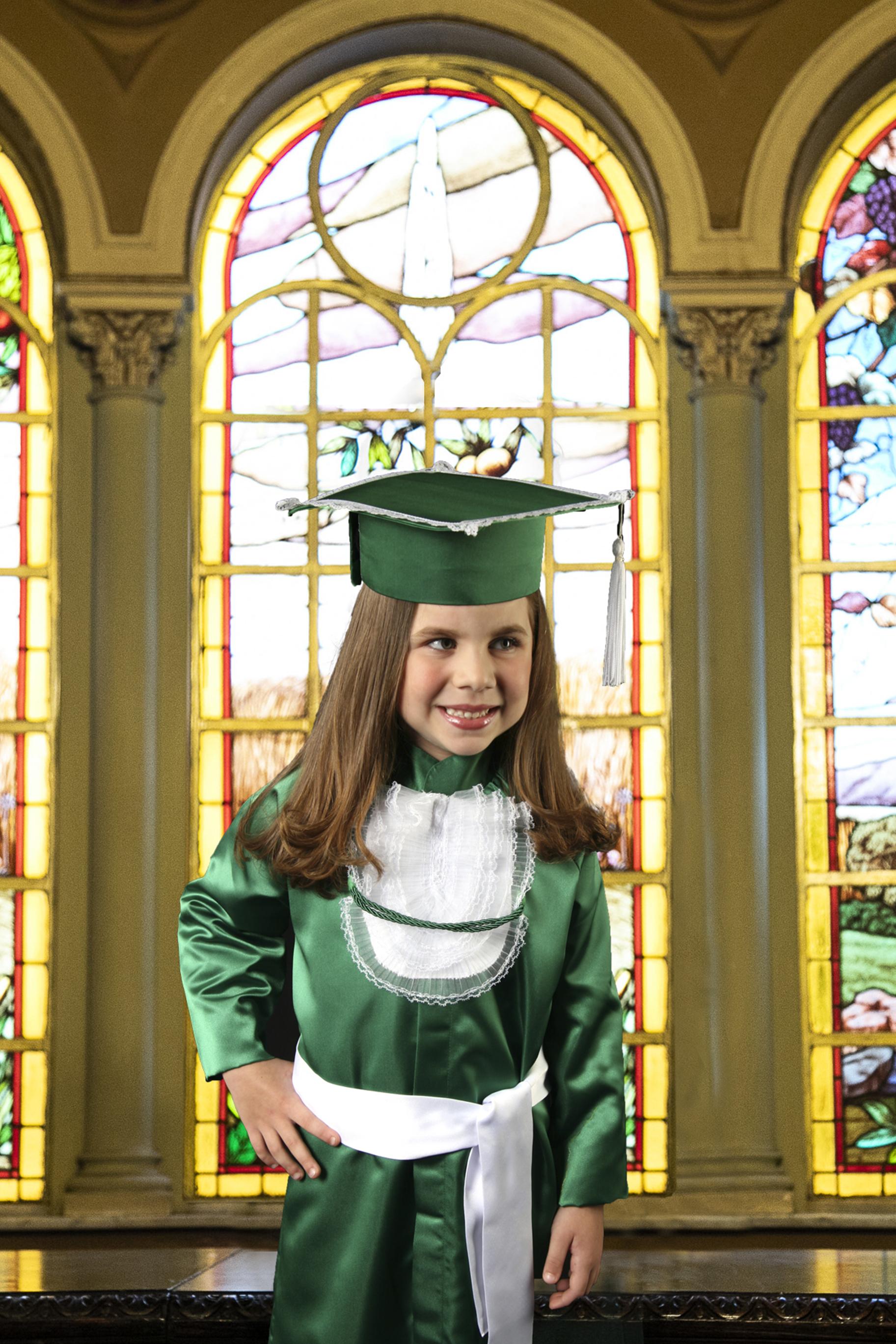 6 - beca infantil verde com capelo