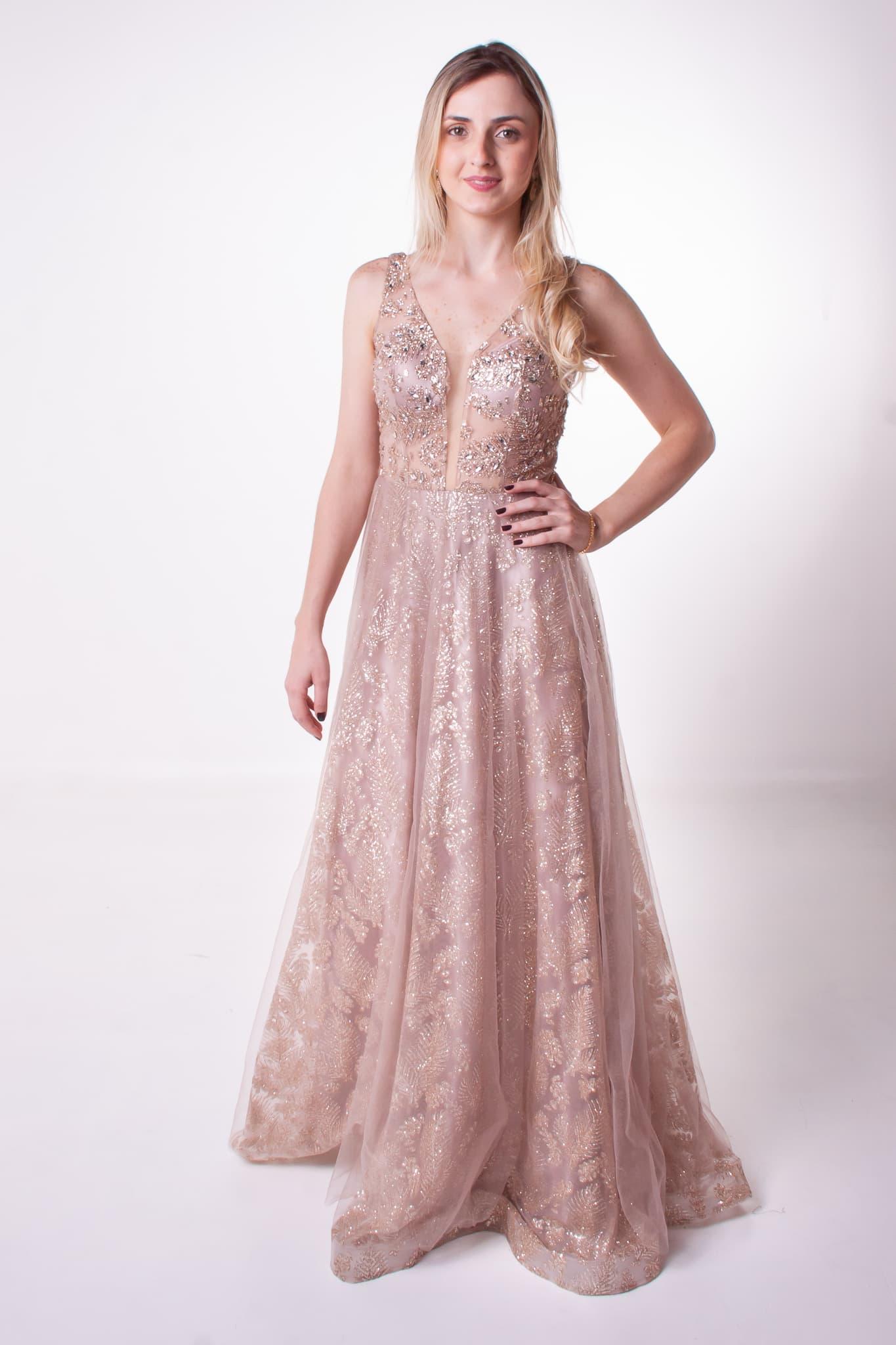 8 - Vestido rosê nude com brilho