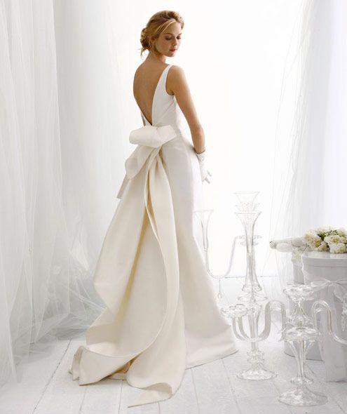 Mulher com vestido metálico